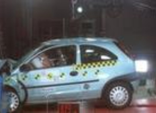 Crash test Opel Corsa MY04
