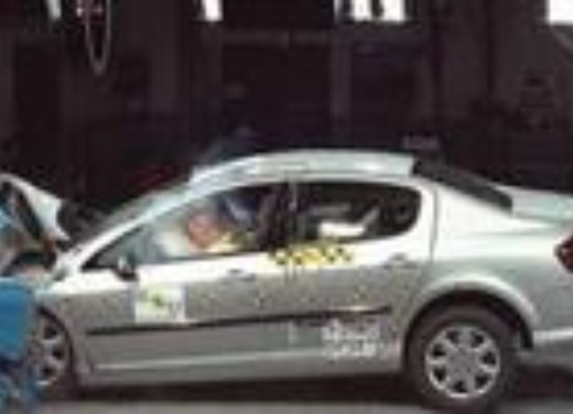 Crash test Peugeot 407 Coupé