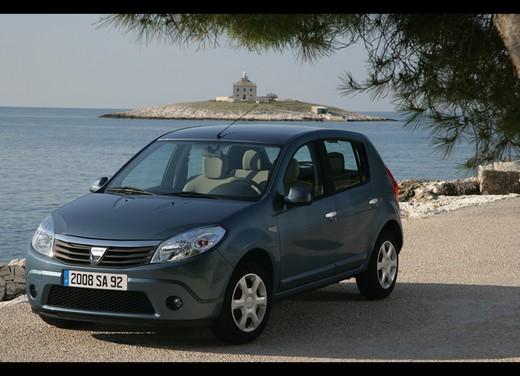 Dacia Gamma 2009 - Foto 72 di 99