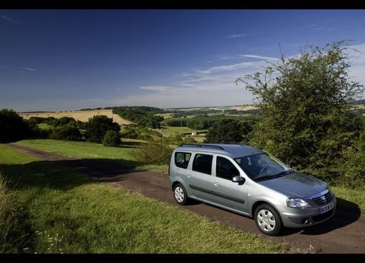 Dacia Gamma 2009 - Foto 91 di 99