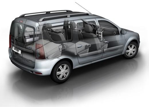 Dacia Gamma 2009 - Foto 95 di 99