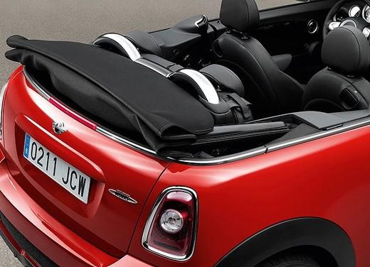 Mini John Cooper Works Cabrio - Foto 8 di 9