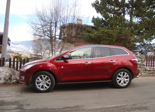 Nuova Mazda CX-7 – Long Test Drive - Foto 38 di 57