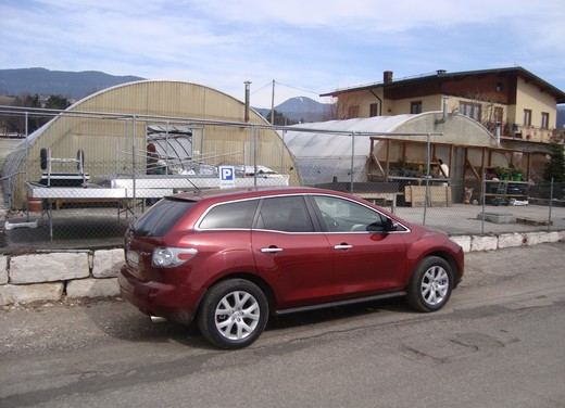 Nuova Mazda CX-7 – Long Test Drive - Foto 50 di 57