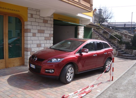Nuova Mazda CX-7 – Long Test Drive - Foto 53 di 57