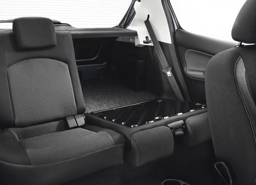 Promozioni Peugeot su Peugeot 208, 207 ed anche su PEUGEOT 206 PLUS GPL offerta a 9.900€ anzichè 13.300 euro - Foto 12 di 14