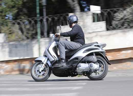 Piaggio Beverly Tourer 300 ie - Test Ride - Fotogallery - 9