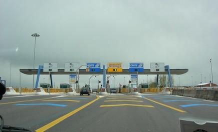 Abruzzo: autostrade A24 e A25 chiuse per terremoto - Foto 2 di 4