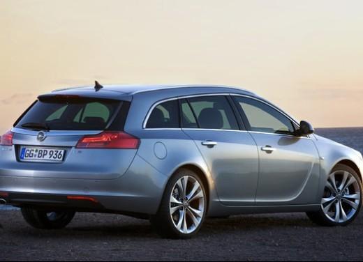 Opel Insignia GPL - Foto 34 di 39