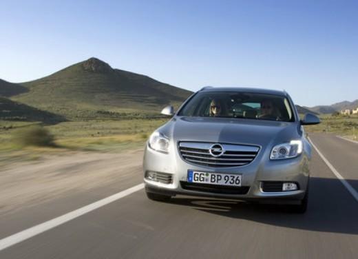 Opel Insignia GPL - Foto 14 di 39