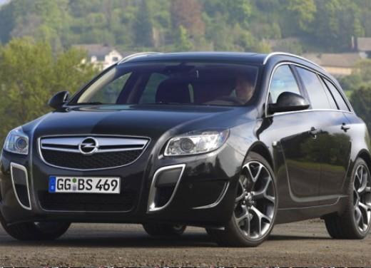 Opel Insignia GPL - Foto 2 di 39