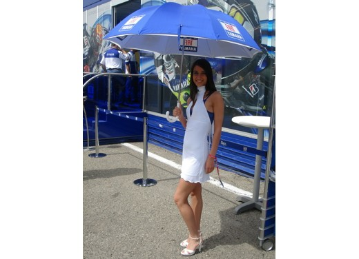 Fiat Yamaha Umbrella Girls - Foto 5 di 18