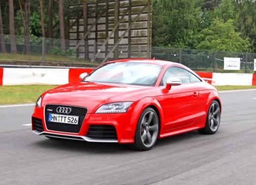 Audi TT RS - Foto 1 di 60