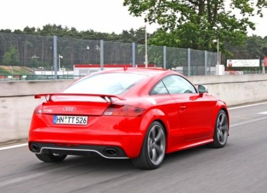 Audi TT RS - Foto 4 di 60