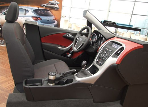 Nuova Opel Astra - Foto 36 di 109
