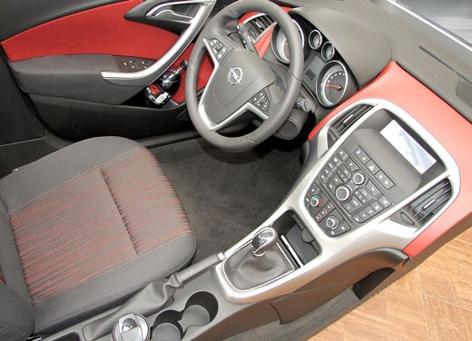 Nuova Opel Astra - Foto 37 di 109