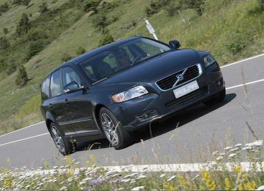 Volvo V50 Polar 1.6D DRIVe Start/Stop – Long Test Drive - Foto 25 di 28