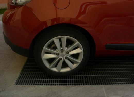 Renault Megane Coupè – Long Test Drive - Foto 2 di 32