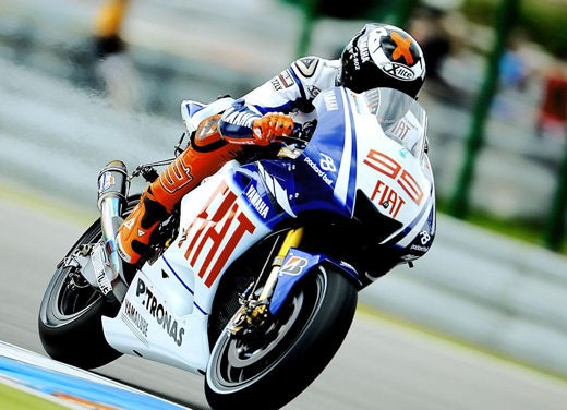 Lorenzo batte Rossi a Le Mans
