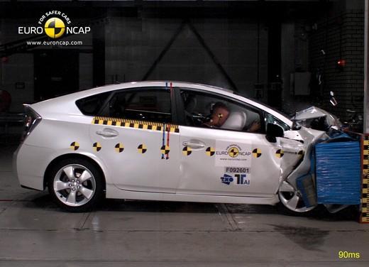 Toyota Prius – Crash Test