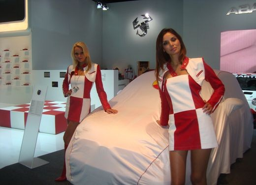 Salone Auto Francoforte 2009 – Girls - Foto 104 di 137