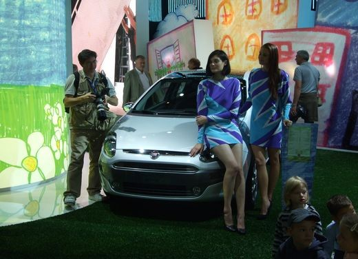 Salone Auto Francoforte 2009 – Girls - Foto 17 di 137