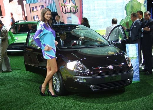Salone Auto Francoforte 2009 – Girls - Foto 18 di 137