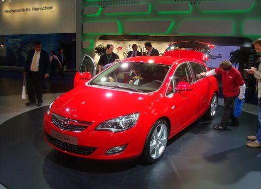 Nuova Opel Astra - Foto 2 di 109