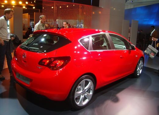 Nuova Opel Astra - Foto 14 di 109