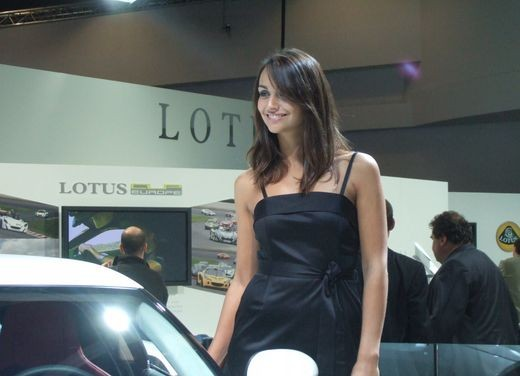 Salone Auto Francoforte 2009 – Girls - Foto 37 di 137