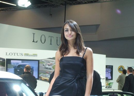 Salone Auto Francoforte 2009 – Girls - Foto 38 di 137