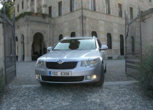Skoda nuova Superb Wagon – Test Drive - Foto 17 di 25