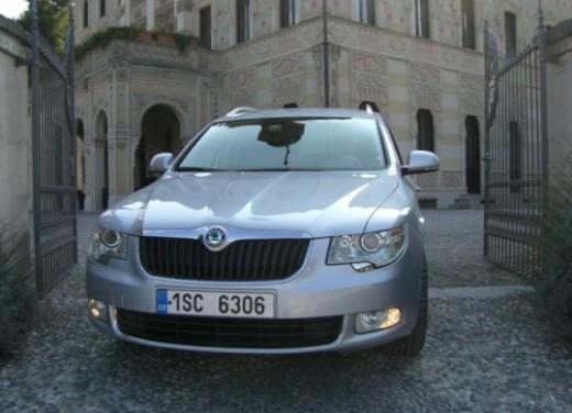 Skoda nuova Superb Wagon – Test Drive - Foto 18 di 25
