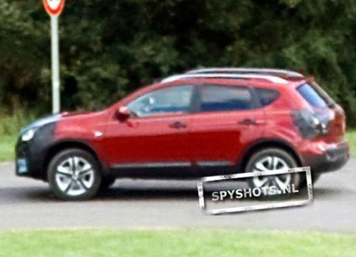 Nissan Qashqai sette posti - Foto 14 di 22