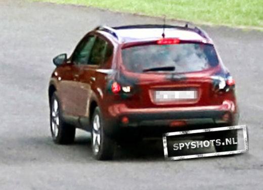 Nissan Qashqai sette posti - Foto 12 di 22