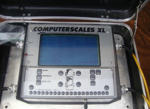 Come e quando misurare la pressione degli pneumatici - Foto 4 di 12