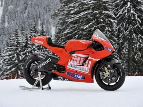Ducati Desmosedici GP10 - Foto 6 di 6