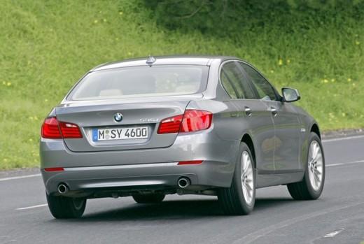 BMW Serie 5: prova su strada del nuovo modello leader del segmento E - Foto 13 di 16