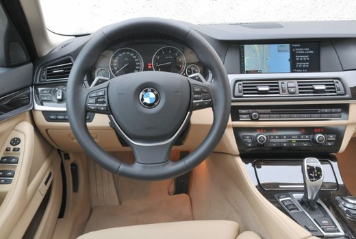 BMW Serie 5: prova su strada del nuovo modello leader del segmento E - Foto 14 di 16
