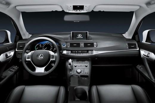 Lexus CT 200h - Foto 30 di 39