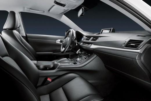 Lexus CT 200h - Foto 18 di 39