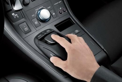 Lexus CT 200h - Foto 19 di 39