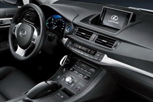 Lexus CT 200h - Foto 23 di 39