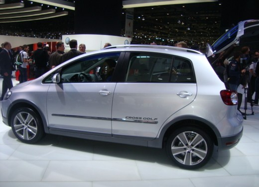 volkswagen cross golf 2010 infomotori. Black Bedroom Furniture Sets. Home Design Ideas