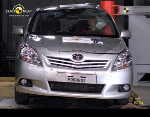 Toyota Verso conquista le 5 stelle EuroNCAP