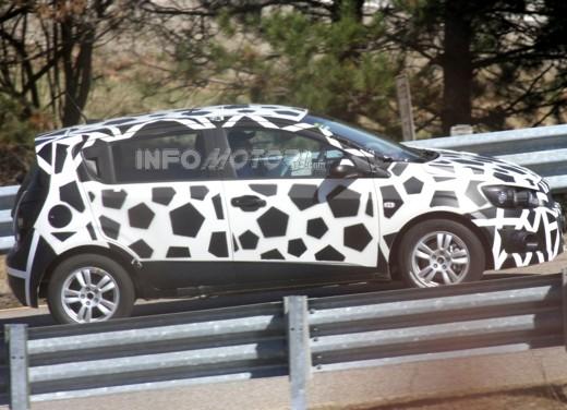 Chevrolet Aveo Spy - Foto 2 di 6