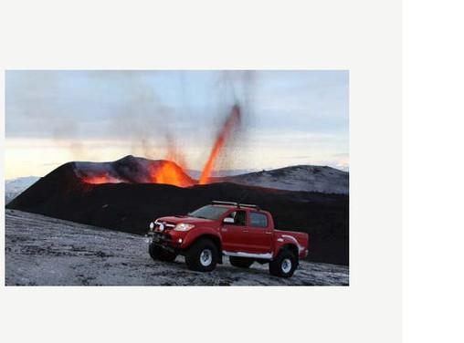 Toyota Hilux conquista il vulcano - Foto 7 di 8