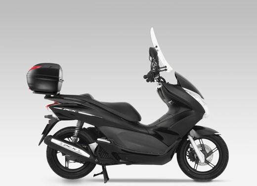 Honda PCX 125 scooter Foto 5 di 18