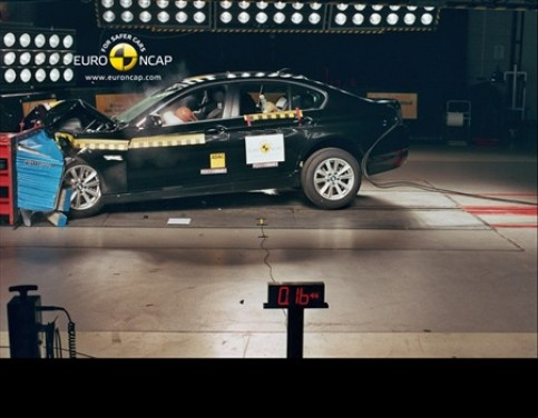 Crash test BMW Serie 5 berlina