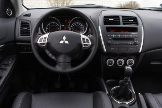 Toyota Urban Cruiser – Mitsubishi ASX - Foto 11 di 12